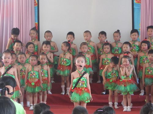 宿州举行幼儿经典诗歌朗诵比赛